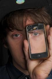 Test de rezistenta pentru noile modele iPhone -  iPhone 5S vs. 5C Drop Test