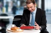 Intre laptop si smartphone aleg...noua tableta Sony Xperia Tablet Z